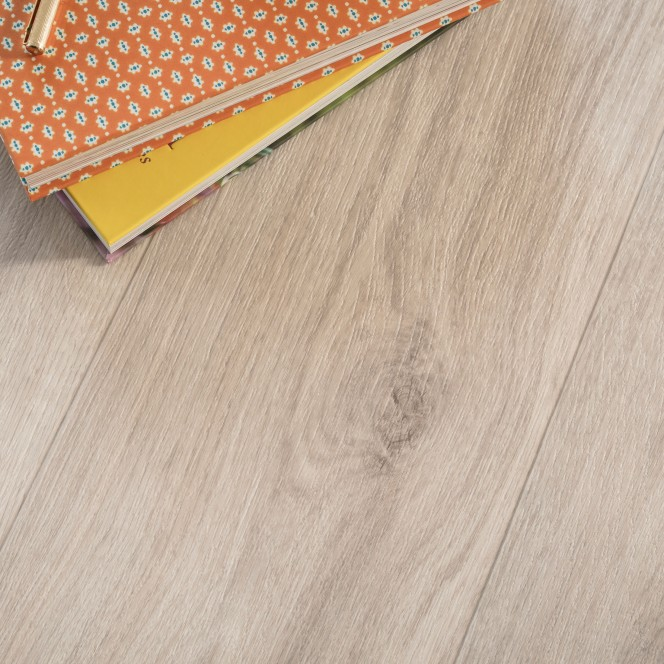Woodlike-CVBodenbelag-Creme-EicheWeiss02-mil1.jpg