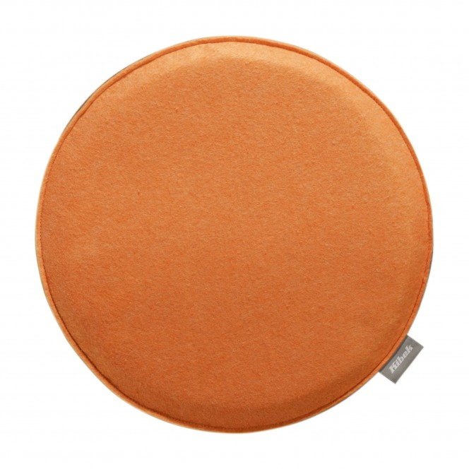 Gustav-Stuhlkissen-orange-Cognac-35rund-pla