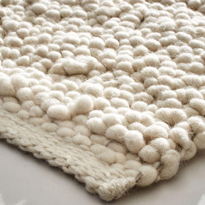 Hallsberg-Handwebteppich-creme-snow-lup.jpg