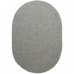 Bjoerna-HandwebTeppich-Grau-LightGrey-140x200-oval-pla