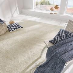 Savon-Designer-Teppich-weiss-schnee-mil2