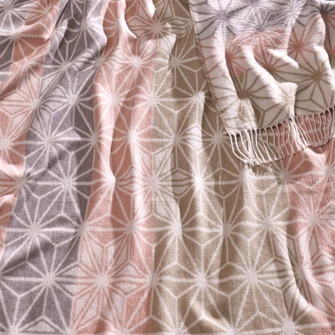 Lia-Decke-grau-rosa-RoseCreme-150x200-lup
