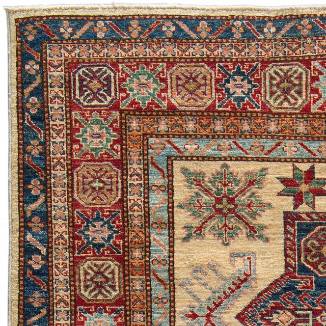 KazakGhazni_100202282-070_lup1.jpg