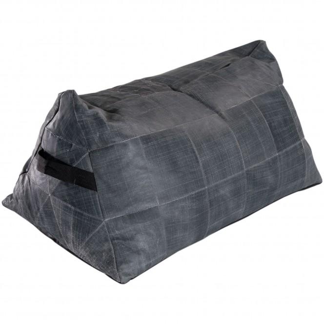 Leather-Pouf-Grau-AntiqueGrey-55x90-per1.jpg