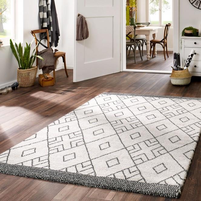 Levanger-moderner-Teppich-schwarzweiss-blacknwhite-mil.jpg