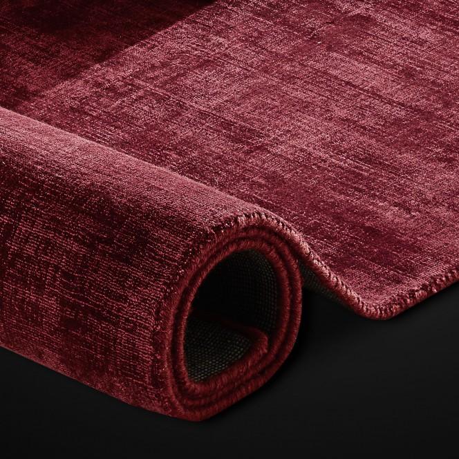 Miramar-Designeteppich-rot-rubin-lup.jpg